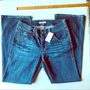 NWT CAbi Contemporary Jeans Boot Cut cloud wash 8